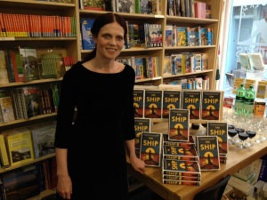 Antonia-Honeywell bookshop