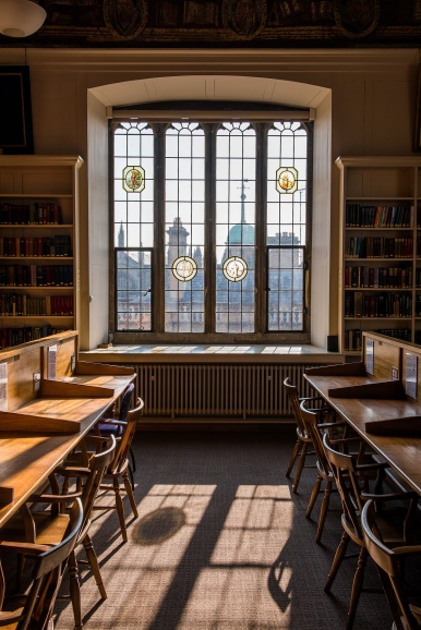 Bodleian Library, Upper Reading Room, window, credit John Cairns, copyright Bodleian Libraries, University of Oxford RESIZED